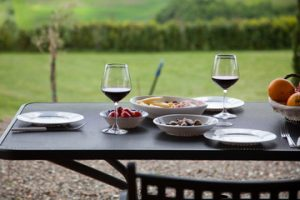 Cinq restaurants au milieu des vignes, épisode 1